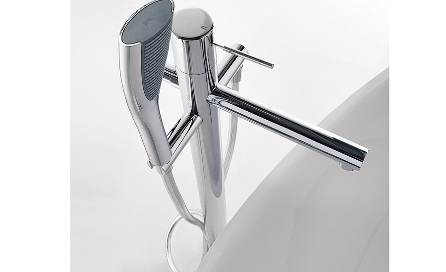 Tub filler with stainless-steel finish from KWC